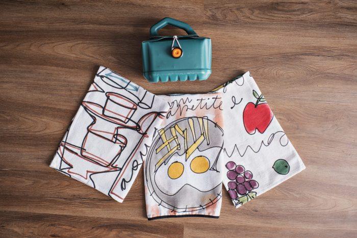 KIT – 3 Panos de prato para cozinha pintados à mão + bolsinha